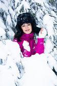 Winter-porträt einer frau — Stockfoto