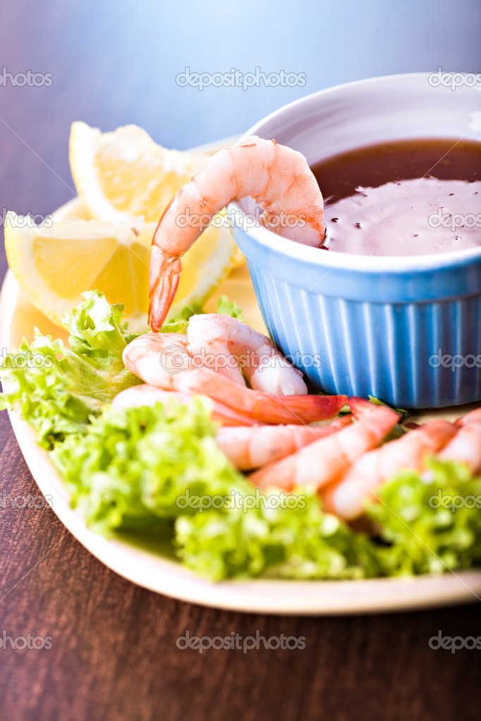 Close up shot of a shrimp salad — Stock Photo #9713626