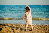 Criança na praia — Foto Stock
