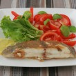 Fried fish with salad — Stock Photo #8102796