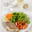 Fried swordfish with salad — Stock Photo #8883349