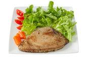 Atum frito com salada — Fotografia Stock