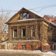 Old wooden house in Kazan, Tatarstan, Russia — Stock Photo