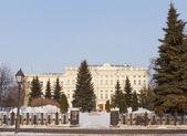 Beautiful building and square on Kremlevskaya street in Kazan, R — Stock Photo
