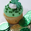 St. Patrick's Day Cupcake — Stock Photo #9538533
