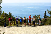 Tourists on viewing platform. Alanya Kalesi. Turkey — Stock Photo