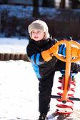 Chico de balancín de invierno — Foto de Stock