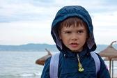 Portret ładny chłopak na plaży. hiszpania — Zdjęcie stockowe
