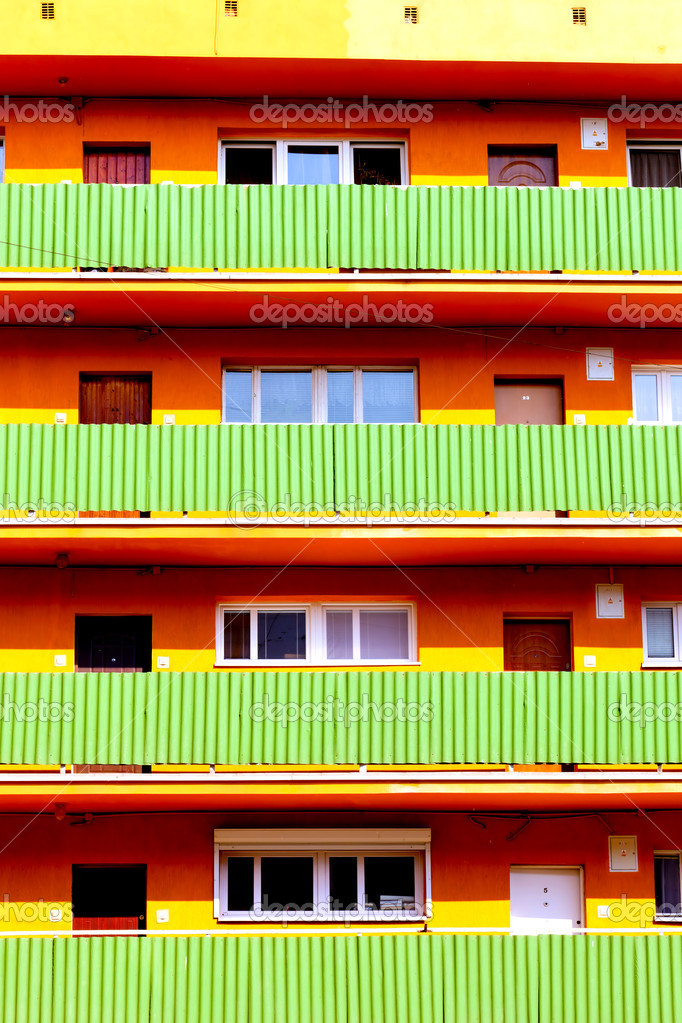 Building with many balconies — Stock Photo #10252497
