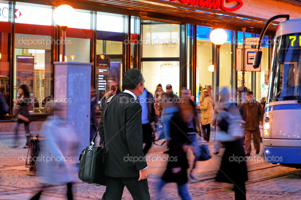 Nightlife in the city — Stock Photo #10405151
