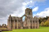 фонтаны аббатство в северном йоркшире, англия — Стоковое фото