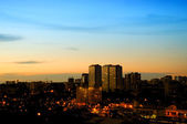 Panorama över en natt stad — Stockfoto