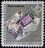 美利坚合众国-大约 1974年: 一张邮票印刷的美国节目 cristal 碧玺、 系列,大约 1974年 — 图库照片