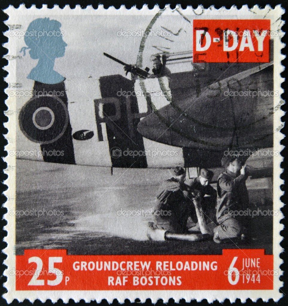 UNITED KINGDOM - CIRCA 1994: a stamp printed in the Great Britain shows Ground Crew reloading FAF Bostons, 50th anniversary of D-Day, circa 1994 — Stock Photo #9852394