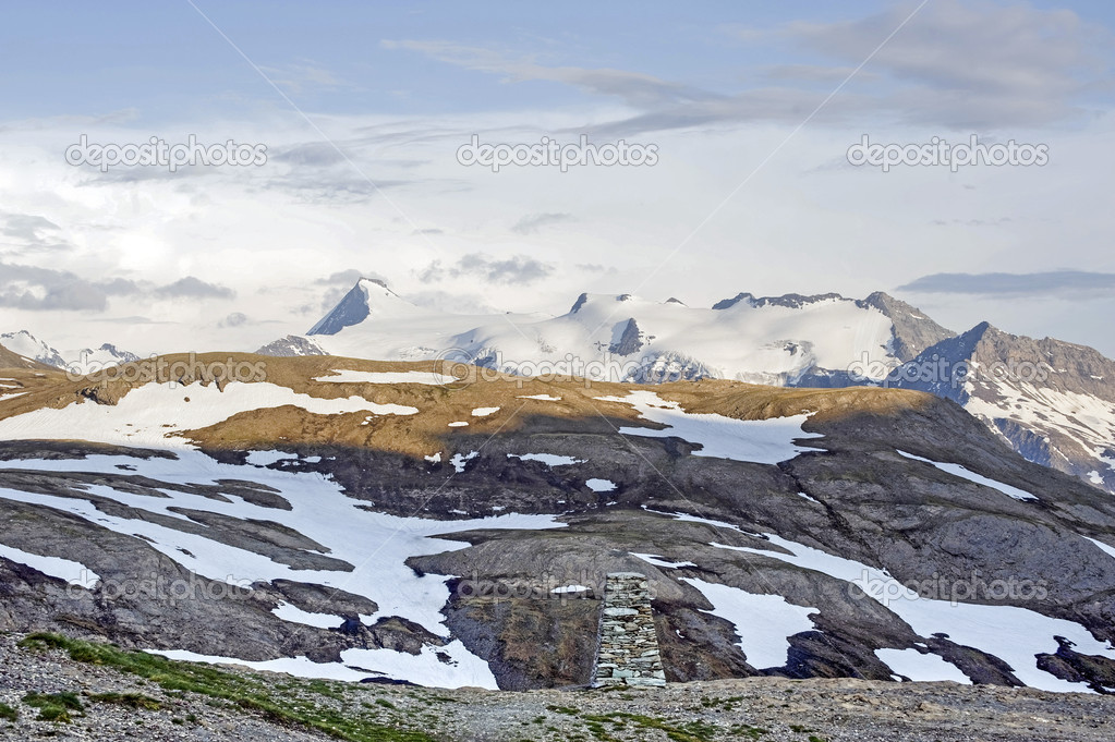 Col de l'Iseran (Rhone-Alpes, France) - Landscape on the top at late afternoon — Stock Photo #10476699
