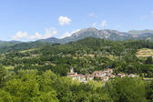 Small town in Garfagnana (Tuscany) — Stock Photo