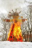 Burninging effigy of the winter — Stock Photo