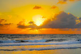 Colorfull sunrise at an brazilian beach — Stock Photo