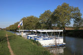Boats on Canal du Midi in Languedoc-Roussillon, France — Stock Photo