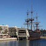 Pirate ship in Alicante, Spain — Stock Photo #10672618