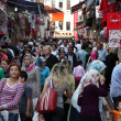 Crowded street in the city of Istanbul, Turkey — Stock Photo