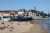 Fantástica playa en la costa de estoril, cascais, portugal — Foto de Stock