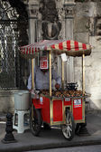 Roasted chestnut vendor in the street of Istanbul — Stock Photo