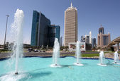 Fountain at the Dubai World Trade Centre. Dubai — Stock Photo