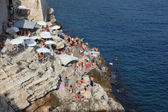 På den adriatiska kusten i dubrovnik, kroatien. — Stockfoto