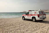 Lifeguard rescue car on the beach in Dubai — Zdjęcie stockowe