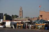 Orange Juice market stands at the Djemaa El Fnaa square in Marrakech — Stock Photo