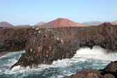 Strong waves on the coast of Lanzarote, Canary Islands, Spain. Photo taken — Stock Photo