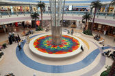 Interior of the Marina Mall in Abu Dhabi — Foto Stock