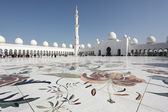 在阿布扎比谢赫 · 扎耶德清真寺 — 图库照片