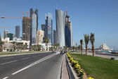Street in Doha downtown district, Al Dafna, Qatar. — Stock Photo
