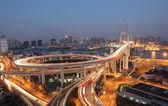 Nanpu bridge di notte. shanghai, cina — Foto Stock