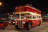 Vintage doppeldecker-bus in hongkong — Stockfoto