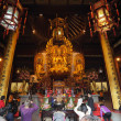 Worship at the Longhua temple in Shanghai, China — Foto de Stock