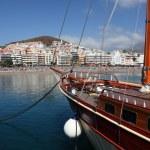 Sailing ship in Los Cristianos. Canary Island Tenerife — Stock Photo