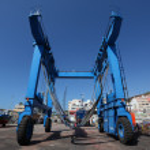 Boat crane at the shipyard. Los Cristianos, Tenerife — Stock Photo