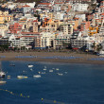 Playa de los Cristianos beach, Canary Island Tenerife — Stock Photo #9344196