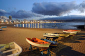 Fishing boats on the beach. Las Palmas de Gran Canaria, Spain — Stock Photo