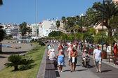 Walking on the promenade of Los Cristianos, Canary Island Tenerife — Stock Photo