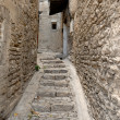 Narrow street in medieval town Gordes, southern France — Stock Photo