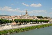Cidade medieval no rio ródano em provence, frança — Foto Stock