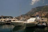 Yacht di lusso nel porto di monte carlo, monaco — Foto Stock