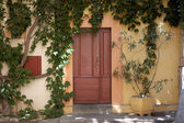Door in an small house in southern France — Stockfoto