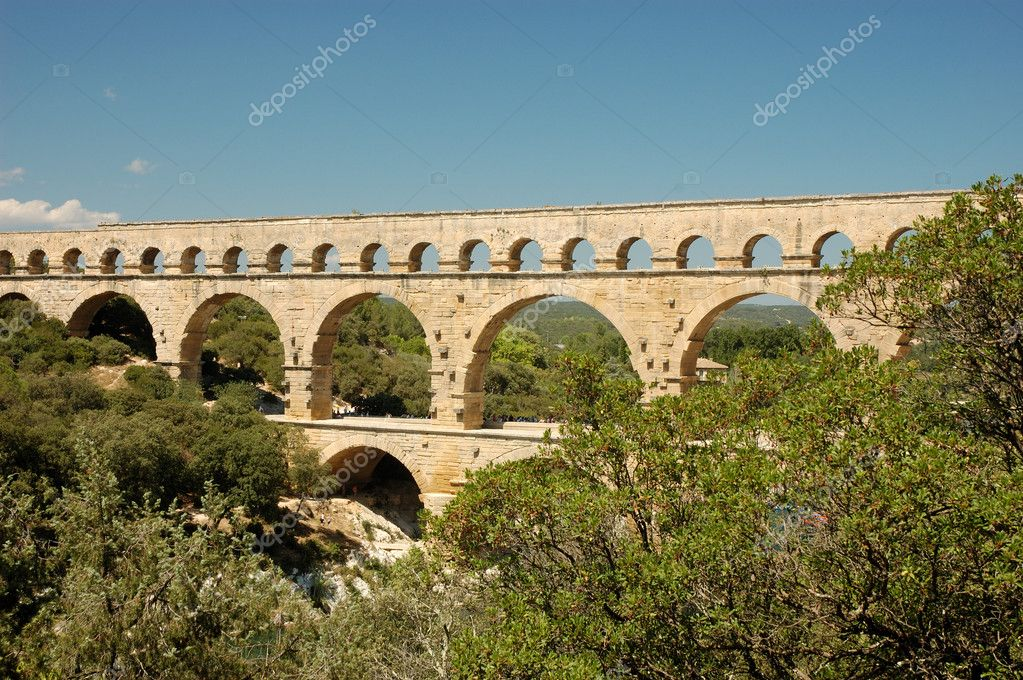 Roman aqueduct Pont du Gard, France — Stock Photo #9454848