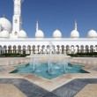 Sheikh Zayed Mosque in Abu Dhabi — Stock Photo