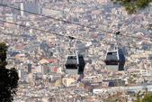 Teleférico de montjuic vista desde el castillo de montjuic, barcelona — Foto de Stock